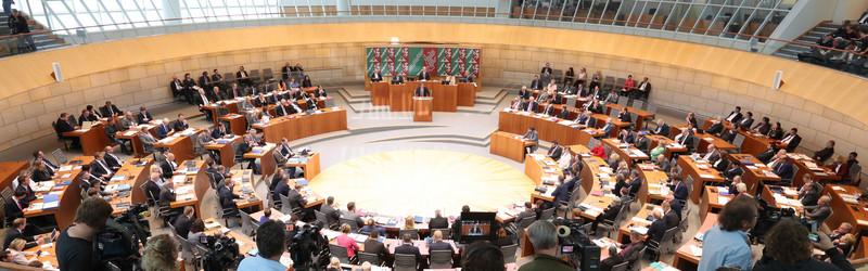 Sicht auf die Plenarsitzung im Landtag