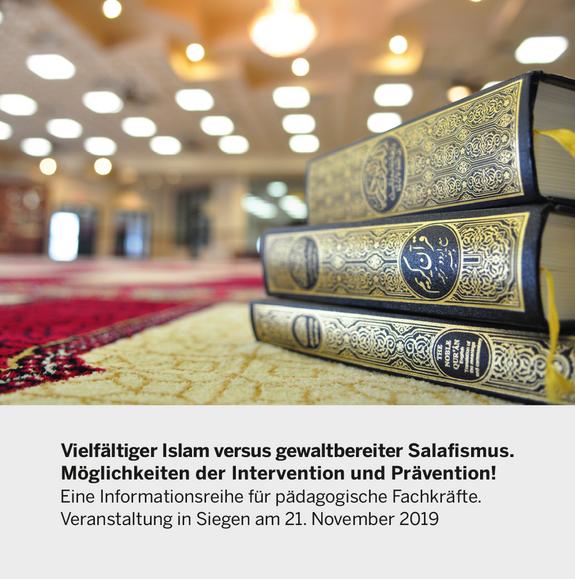 Foto: Koran auf einem Teppich im (vermutlich) Moschee