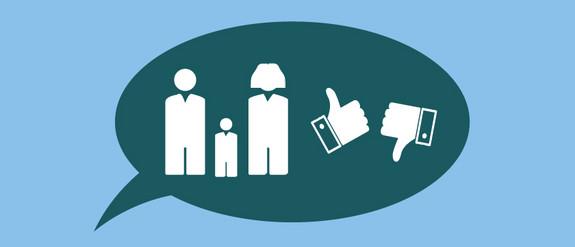 Grafik einer Sprechblase mit Personen und abstimmenden Daumen