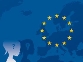 Vereinfachte Landkarte Europas mit den Europa-Sternen, im Vordergrund der Schatten eines stilisierten Mädchens.