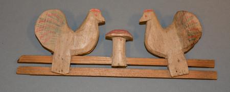 Kinderspielzeug: geschnitzte pickende Hühner  - Link auf: Kinderspielzeug