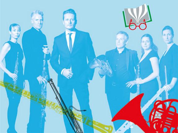 Bild der Gruppe OPUS 45 mit Musikinstrumenten im Vordergrund