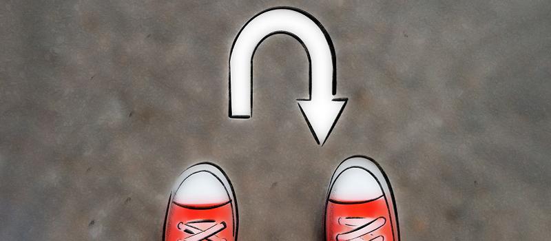 Illustration von zwei Schuhen vor einem Umkehrpfeil