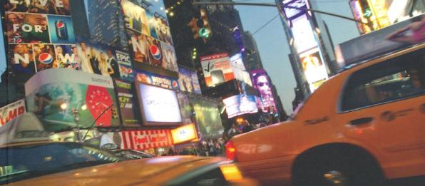 Strassen von New York mit einem Taxi
